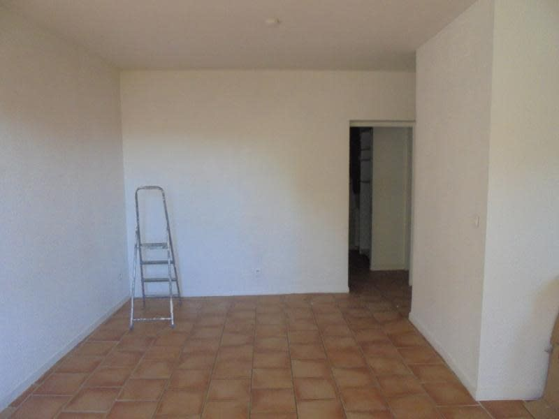 Rental apartment Marsillargues 615€ CC - Picture 3