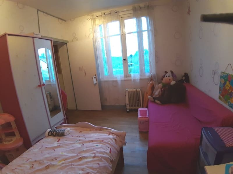 Sale house / villa Bourbon l archambault 80250€ - Picture 8