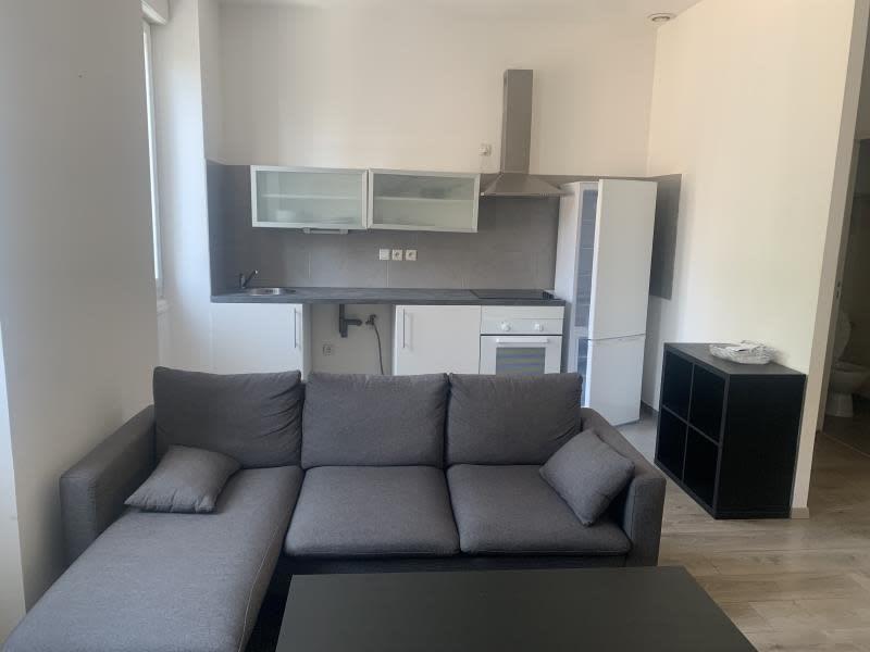 Rental apartment Marseille 4ème 750€ CC - Picture 1