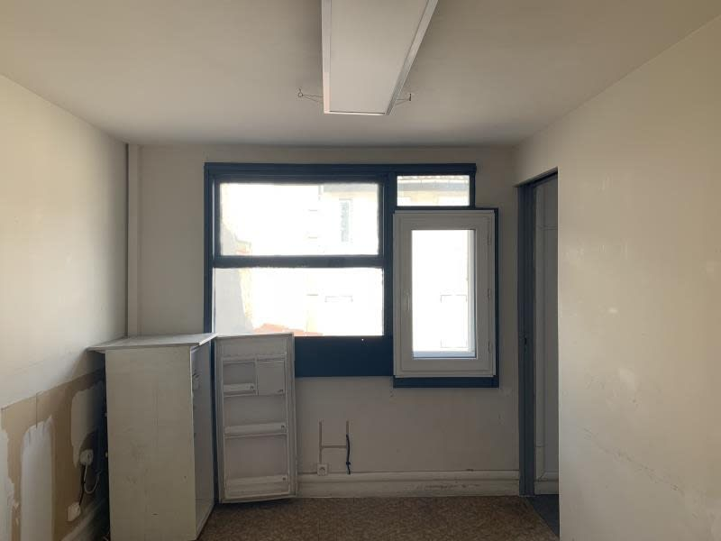 Rental office Marseille 1er 300€ HC - Picture 3