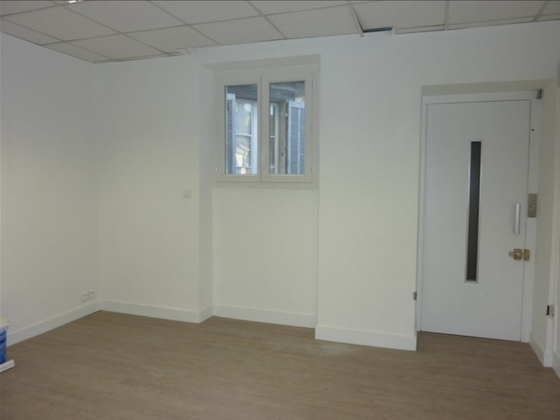 Rental office Marseille 2ème 1 066,67€ HC - Picture 2