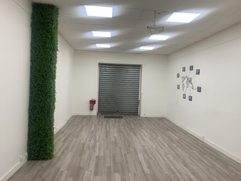 Rental empty room/storage Marseille 1er 550€ HC - Picture 2