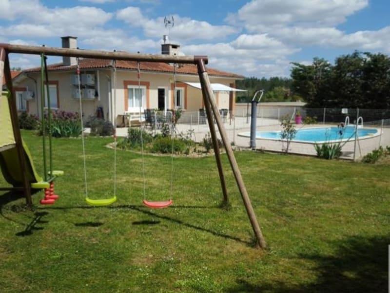 Location maison / villa L isle jourdain 1200€ CC - Photo 1