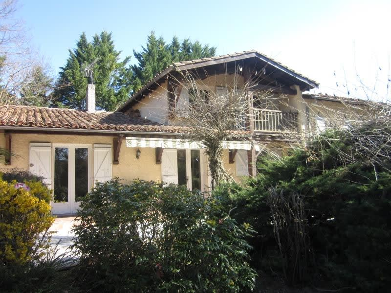 Sale house / villa L isle jourdain 299 000€ - Picture 1