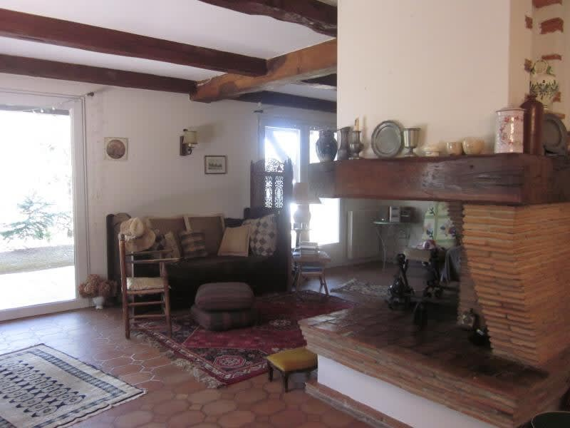 Sale house / villa L isle jourdain 299 000€ - Picture 2