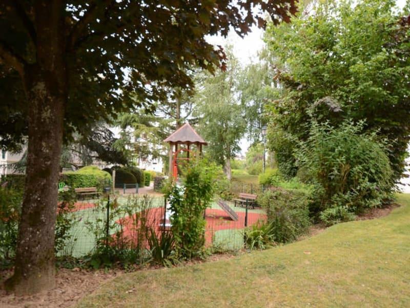 Revenda apartamento Bois d arcy 231000€ - Fotografia 2