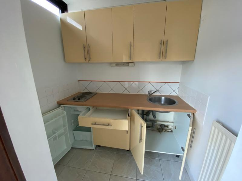 Rental apartment Talence 560€ CC - Picture 2