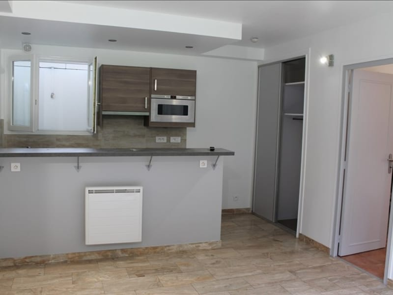 Rental apartment Clamart 890€ CC - Picture 1