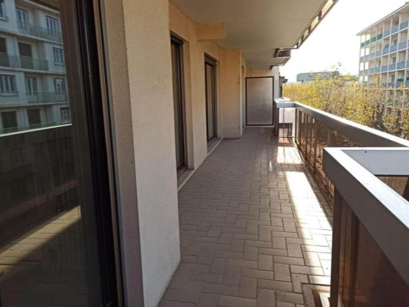 Location appartement Roanne 493€ CC - Photo 3