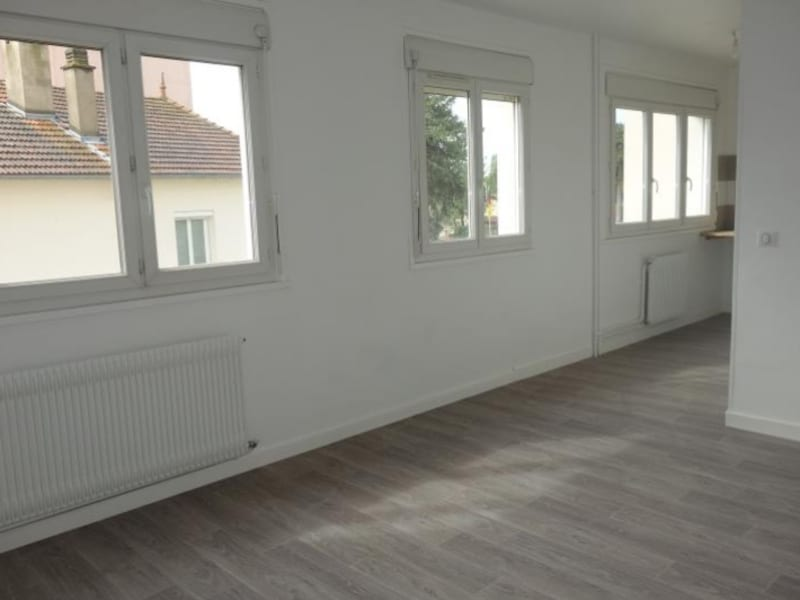 Rental apartment Le coteau 320€ CC - Picture 2