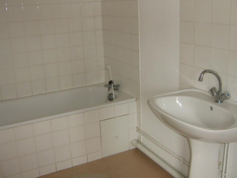 Location appartement Le coteau 430€ CC - Photo 2