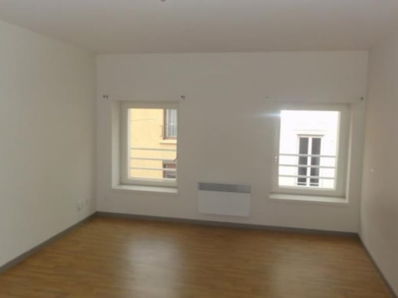 Location appartement Roanne 397€ CC - Photo 1