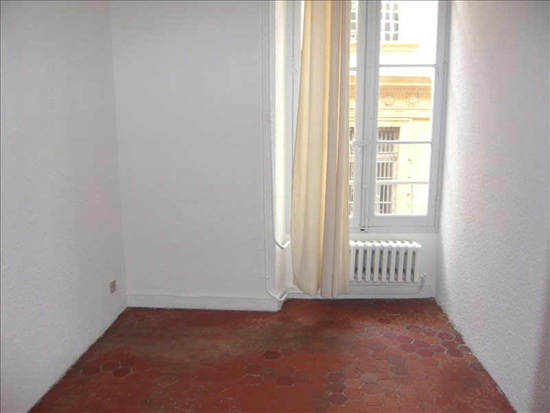 Rental apartment Aix en provence 870€ CC - Picture 3