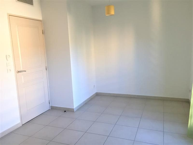 Rental apartment Aix en provence 590€ CC - Picture 2