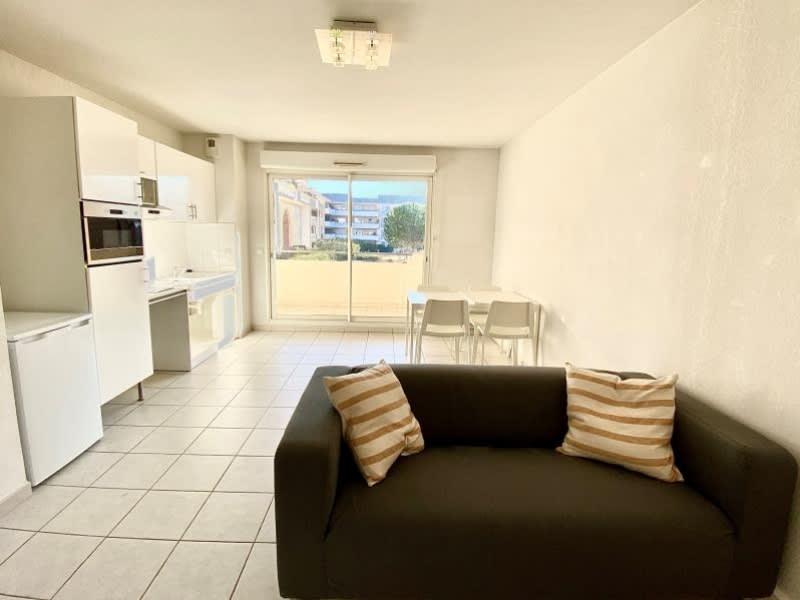 Rental apartment Aix en provence 890€ CC - Picture 1