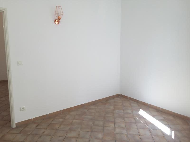 Location appartement Aix en provence 700€ CC - Photo 2