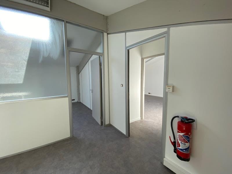 Rental empty room/storage Aix en provence 2700€ HC - Picture 3