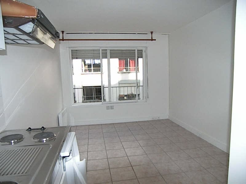 Location appartement Paris 13ème 660€ CC - Photo 1