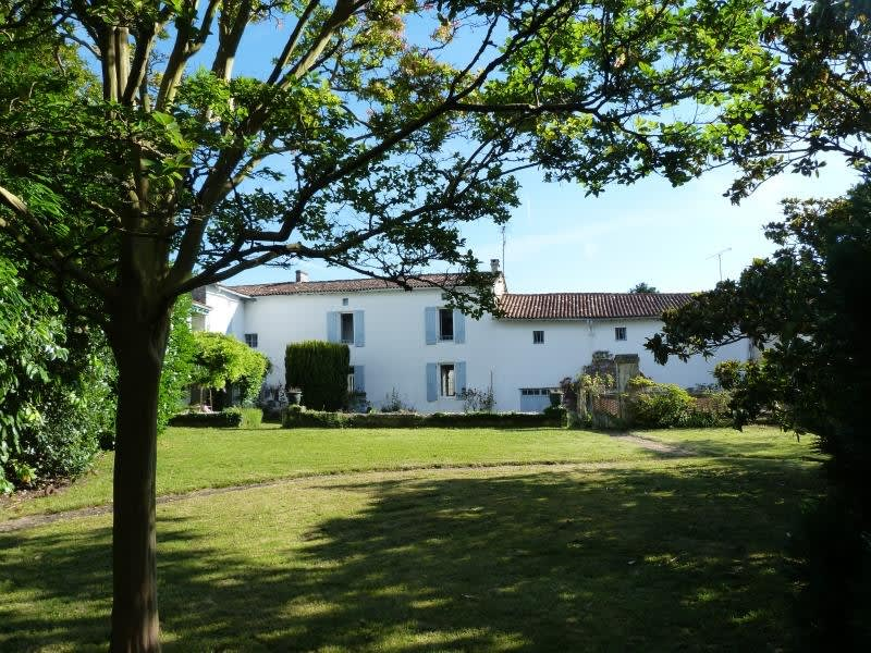 Sale house / villa St andre de cubzac 328600€ - Picture 2