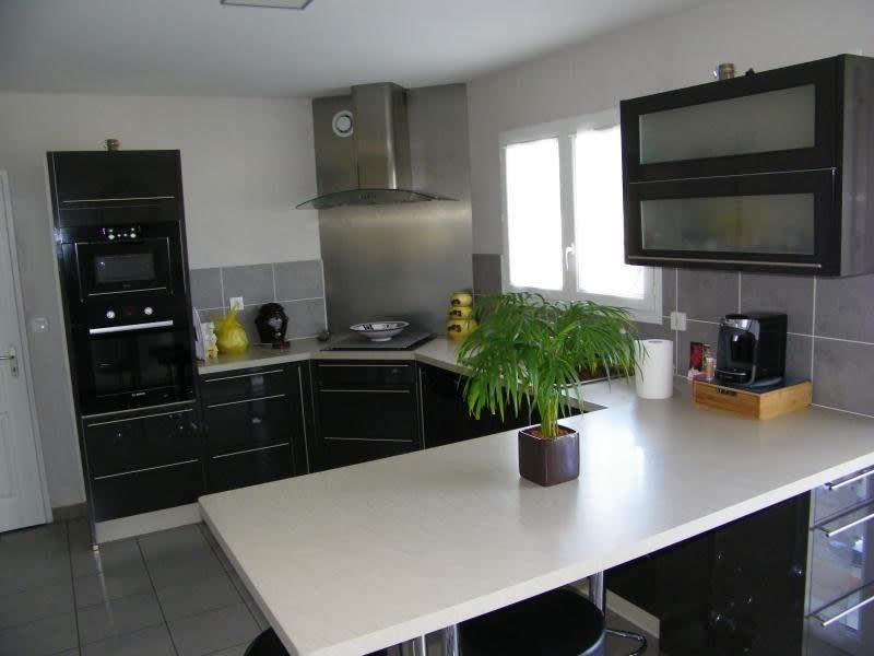 Sale house / villa St andre de cubzac 272000€ - Picture 4