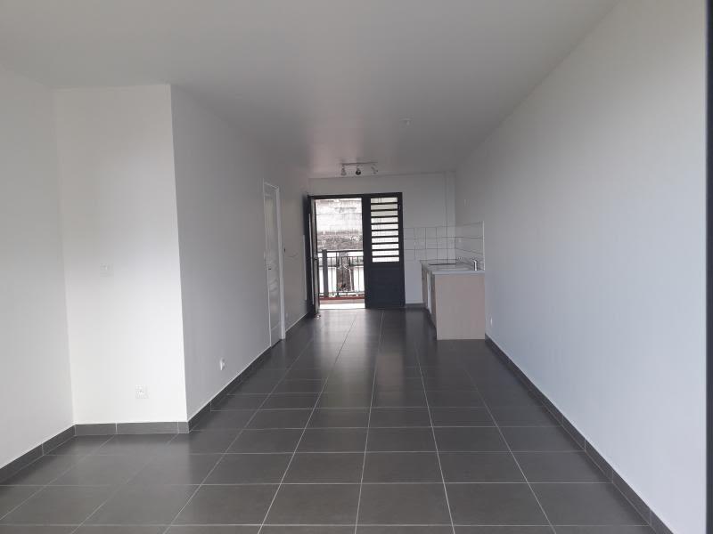 Location appartement St denis 655€ CC - Photo 6