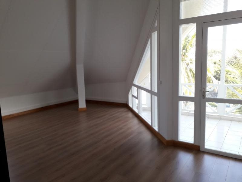 Rental office St pierre 7 600€ HC - Picture 7
