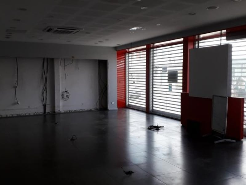 Location local commercial St louis 3000€ HC - Photo 2