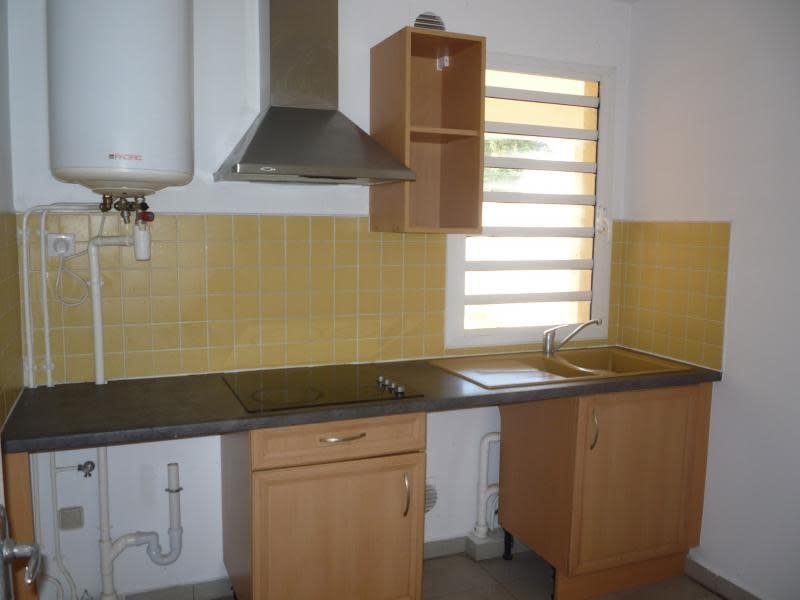 Sale apartment St denis 129600€ - Picture 2
