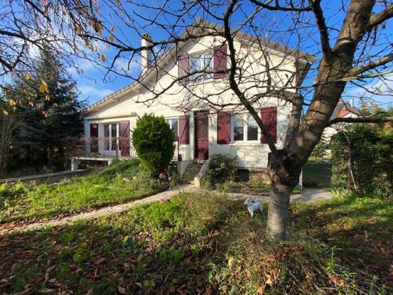 Sale house / villa Carrieres sur seine 551960€ - Picture 1