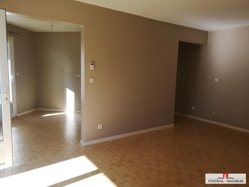 Location maison / villa St seurin de cursac 876€ CC - Photo 2