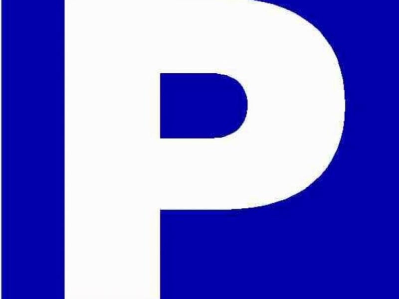 Rental parking spaces Viroflay 124,80€ CC - Picture 1