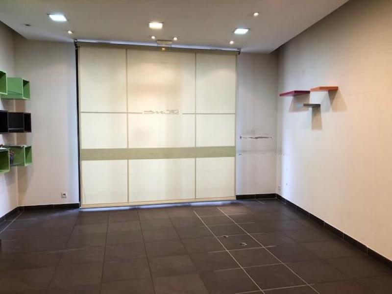 Rental empty room/storage Tullins 620€ HC - Picture 3