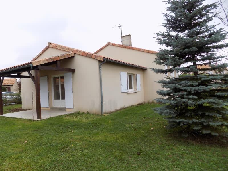Location maison / villa Villiers 713,50€ CC - Photo 1