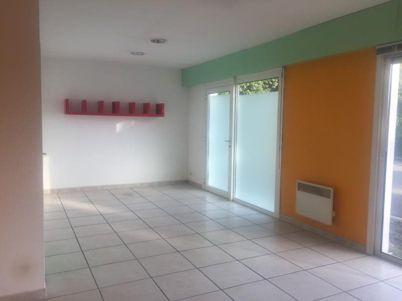 Location local commercial Ares 1000€ HC - Photo 4