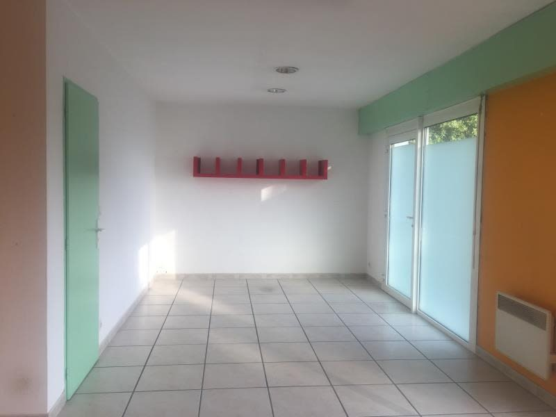 Location local commercial Ares 1000€ HC - Photo 5