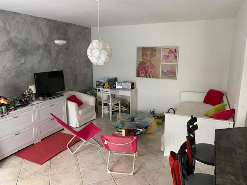 Rental apartment Dardilly 609,48€ CC - Picture 1