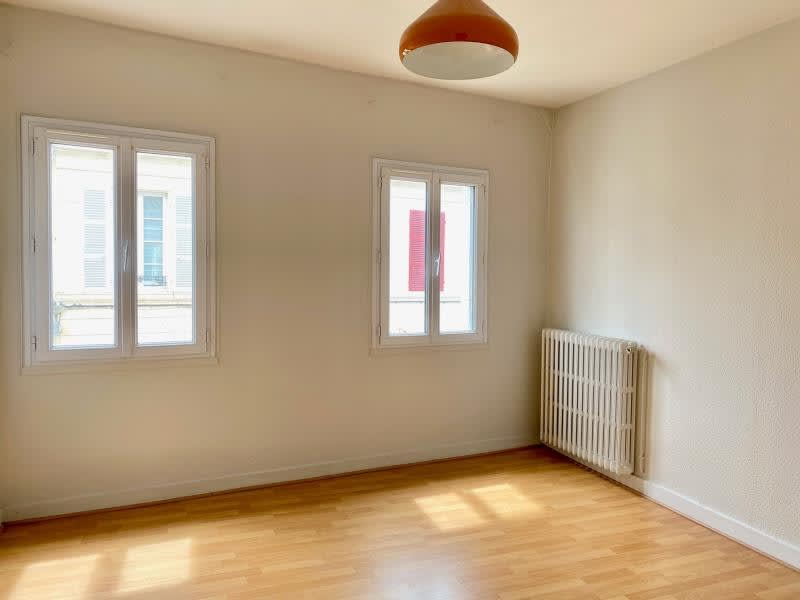 Location maison / villa Niort 750€ CC - Photo 9