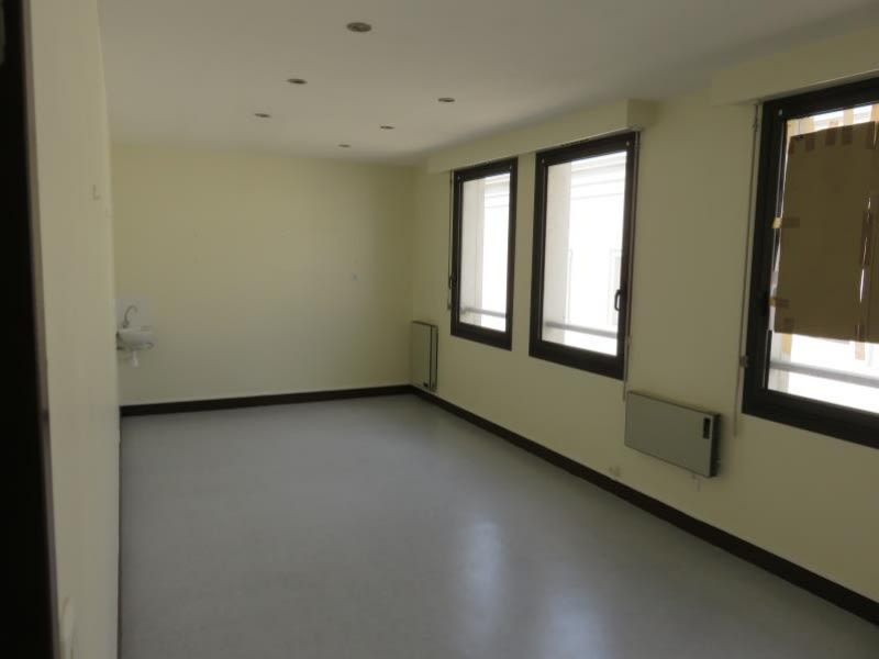 Rental empty room/storage Perigueux 330€ HC - Picture 1