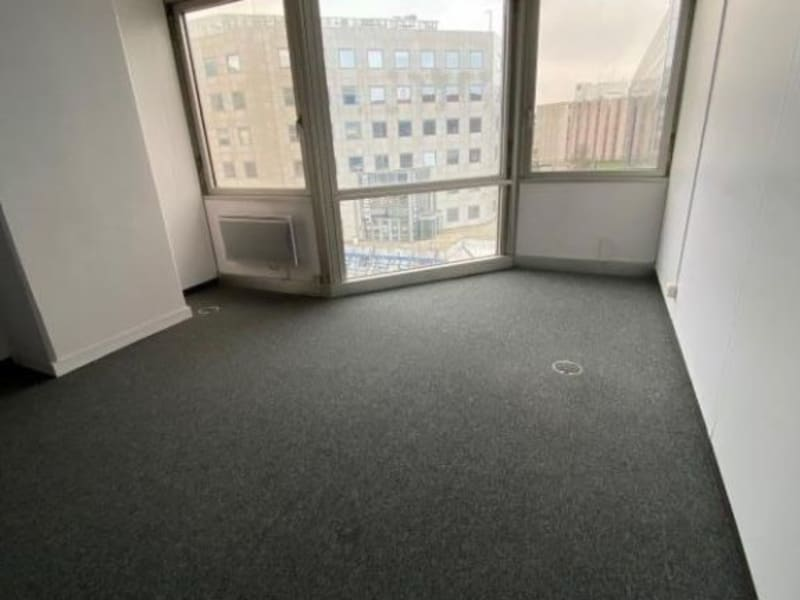Location local commercial Noisy le grand 2500€ HC - Photo 1