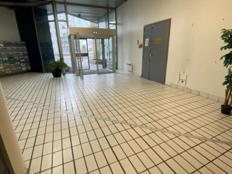 Location local commercial Noisy le grand 2500€ HC - Photo 6