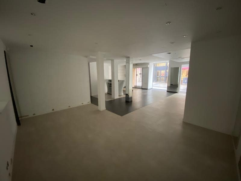 Location local commercial Caen 2 500€ HC - Photo 5
