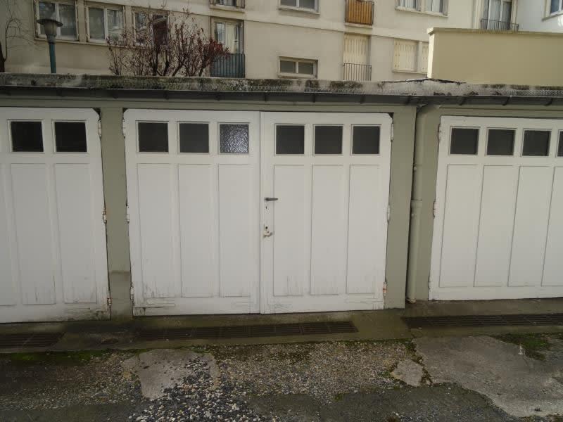 Rental parking spaces Vincennes 131€ CC - Picture 2