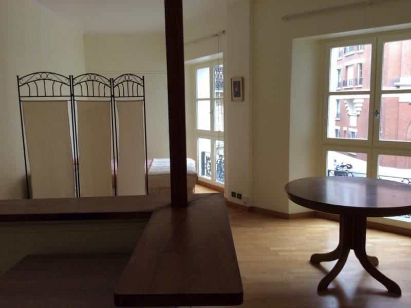 Alquiler  apartamento Paris 10ème 1100€ CC - Fotografía 3