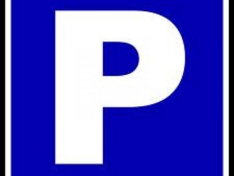 Rental parking spaces Clamart 102€ CC - Picture 1