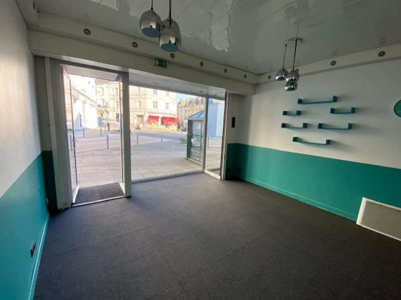 Location local commercial Cholet 550€ HC - Photo 3
