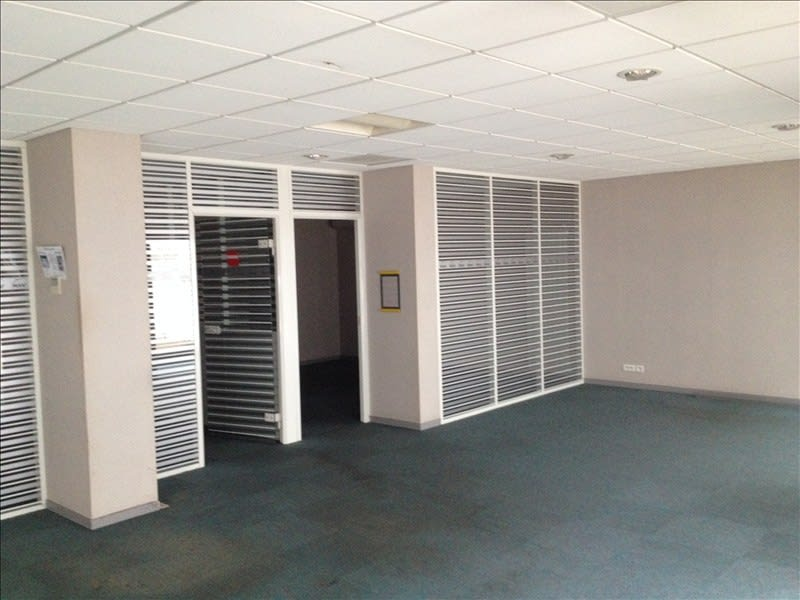 Location local commercial Cholet 1 550€ HC - Photo 4