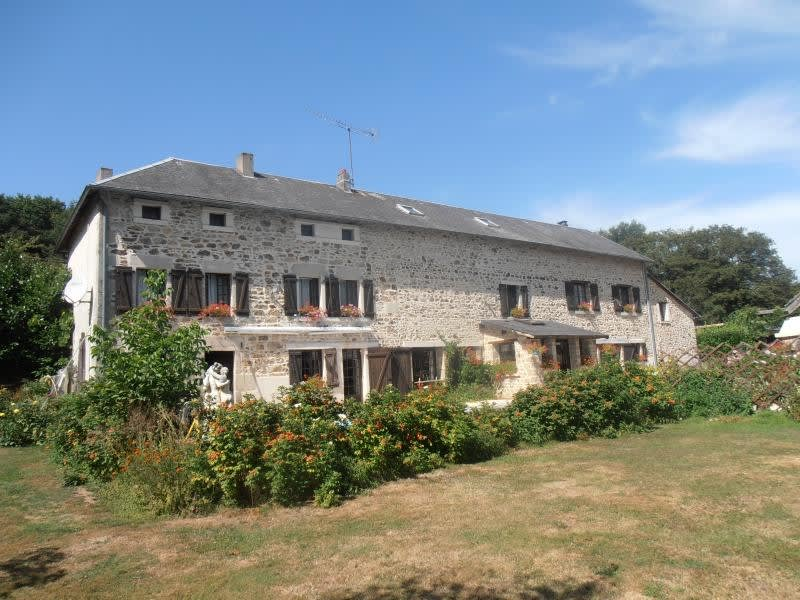 Sale house / villa Bourganeuf 395000€ - Picture 1