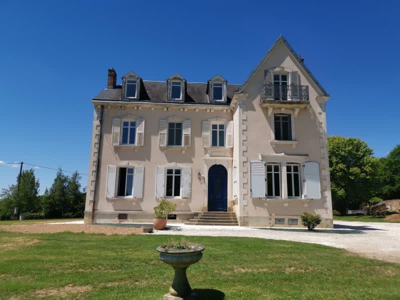 Deluxe sale house / villa Isle 403000€ - Picture 1