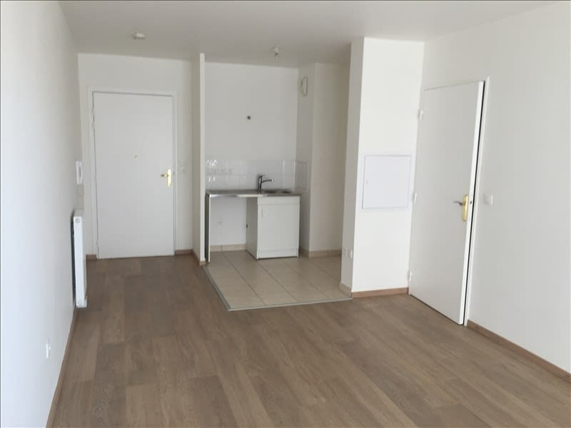 Rental apartment Athis mons 835€ CC - Picture 2