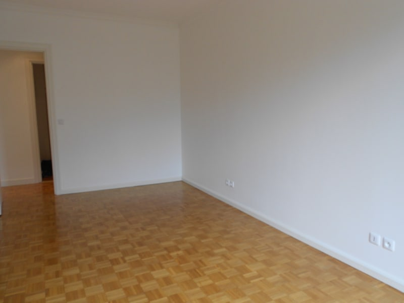 Location appartement Paris 16ème 3 550€ CC - Photo 7